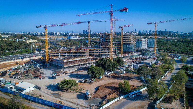 מרכז מסחרי בלו מול (WIX) גלילות, תל אביב
